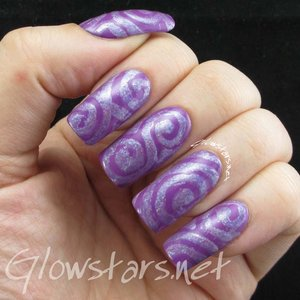 Read the blog post at http://glowstars.net/lacquer-obsession/2016/04/crumpets-nail-tarts-presents-40-great-nail-art-ideas-violet-fluid-lines/