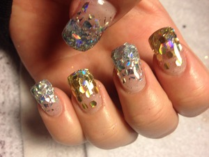 Cute bling nails !!!!