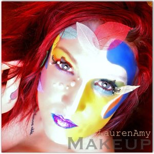 Creative makeup is my favourite type of makeup! You can express so much in one look!