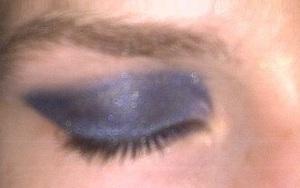 http://exquisitewitheczema.blogspot.com/2011/07/urban-decay-blue-cat-eye.html