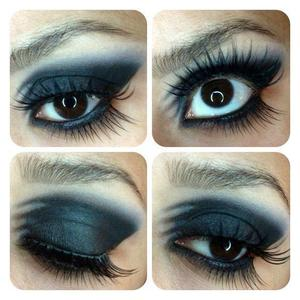 New twist on the smoky eyes