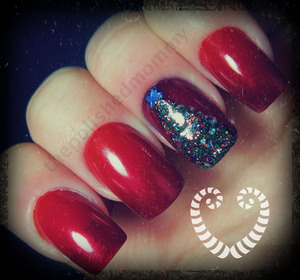 12 Days of Christmas: Christmas Tree. http://www.thepolishedmommy.com/2012/12/joyous-christmas-tree.html