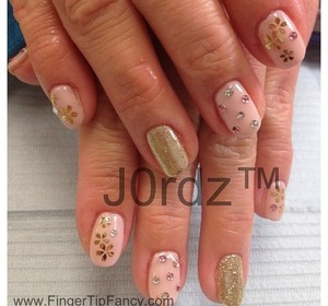 http://fingertipfancy.com/pink-gold-flowers