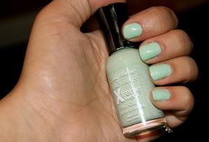 Sally Hansen Mint Sorbet. RefreshMint by China Glaze dupe! makeupbykailanmarie.blogspot.com