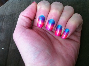 Again, I don't claim to be awesome at doing nails I just have fun painting my own.