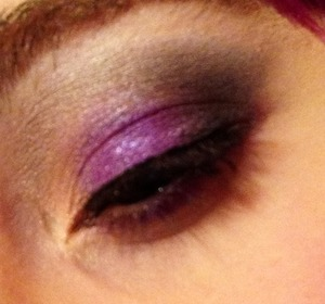 Loving my makeup today! Sorry I cannot take the best quality makeup pictures yet, haha.