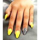 Vibrant Yellow 💅