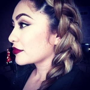 Details on Instagram @makeupbyriz