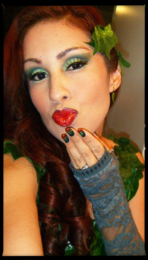 Made my own custume and went as Poison Ivy this Halloween. Green eyeshadow and red lips were a must.