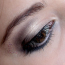 Brown Make-up