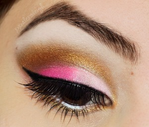 Wearable V-Day Makeup http://www.xoxoalexisleigh.com/2013/02/twin-post-wearable-valentines-day-makeup.html