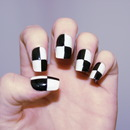 Monochrome Trend - Chequerboard Nails!