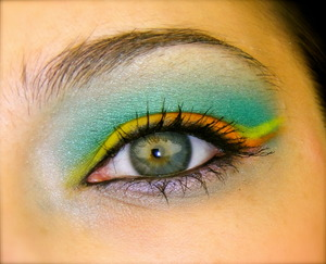 Colors Used: Chrome Yellow, Orange, Shimmer Moss, Electric Eel, Stars'n'Rockets and Shroom (all from MAC)