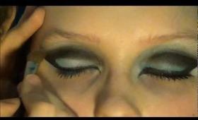 Futuristic Turquoise meikki