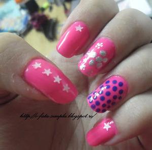 http://o-fata-simpla.blogspot.ro/2013/04/pink-nails.html