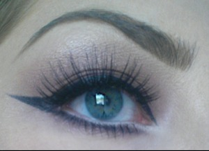 Mauve eyeshadow with wing