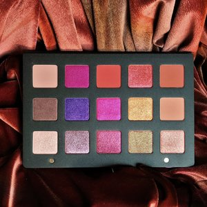Natasha Denona Lila Palette you just want to dive into them. :)