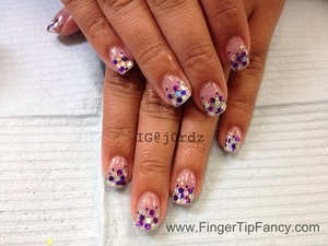 DETAILS FOR THIS DESIGN HERE: http://fingertipfancy.com/purple-and-silver-hologram-ombre-nails