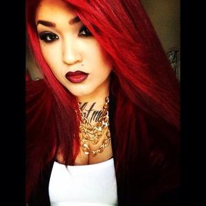 Red hair, ombré lip