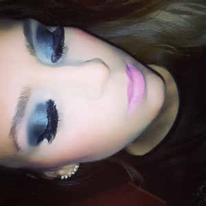 Hello! Here is one of my fave looks....I did it for a special occasion, my wedding anniversary! I really love a dark eye look and when I go all the way I love to use my faux eyelashes for a sexier look. Finished it of with a light pink lipstick and a little bit of blush! Hope you like!