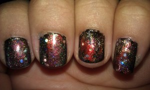 MY VERSION OF GALAXY NAILS.... I USED SALLY HANSEN EXTREME AND WET N WILD NAIL POLISHES.