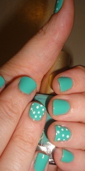 Loreal Nail Color in Club Prive + L.A. Colors Art Deco in White dotted with tool on to nails!