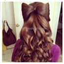 Cute bow with wavy hair!