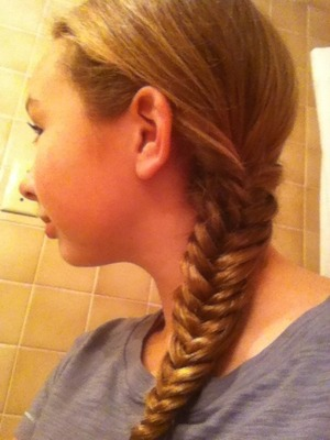 This is and easy sporty look. If you want to see how I did this comment below and I will make a video