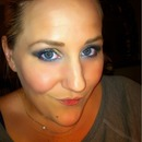 Smokey eyes with blue liner