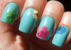 full details here: http://www.thepolishedmommy.com/2012/10/flowers-for-audrey.html