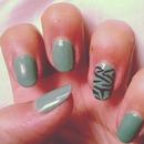 Mint - zebra nails