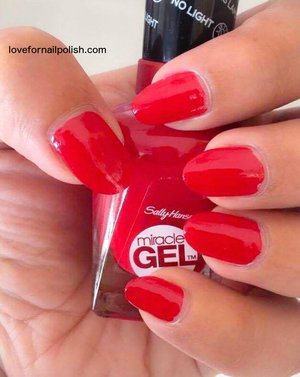 more details http://lovefornailpolish.com/sally-hansen-gel-nail-polish-without-uv-light-miracle-gel-nail-polish-rhapsody-red