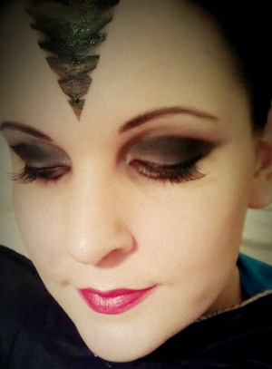 Evil Queen. More photos here: http://jstoddart.blog.com/2012/01/17/once-upon-a-time-evil-queen-makeup/