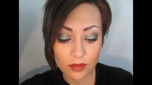 Milani Runway Eyes Complementary Eye Shadow Palette Look