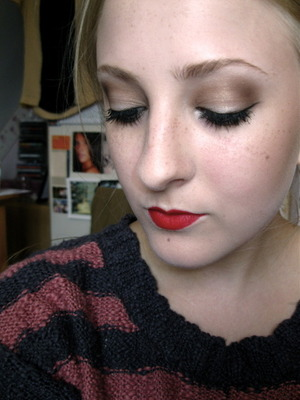 Inspired by 1940s hollywood glamour