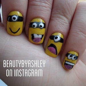 To see this nail design and more, follow me on Instagram @beautybyashley ☺💜