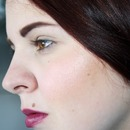 Another more simple look with violette lips