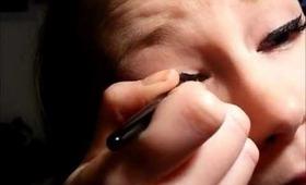 Eyeliner & Dramatic Lashes Tutorial