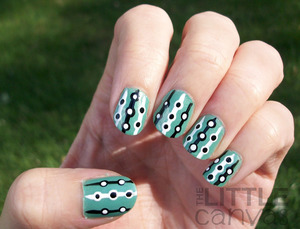 http://thelittlecanvas.blogspot.com/2012/09/31-day-challenge-day-4-green-nails.html