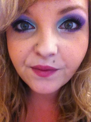 This look was done by using Sigma's Creme De Couture Palette.