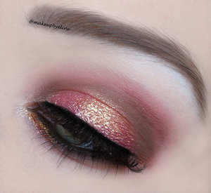I used mac rose pigment, mac copper sparkle pigment and some neutral shades.  For more looks: http://instagram.com/makeupbyeline