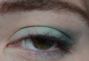 http://jessbeez.blogspot.com/2014/07/eotd-darling-girl-vicar-in-tutu-roots.html