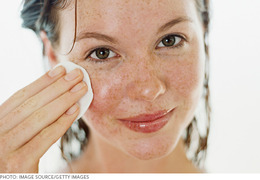 Get it Off! All You Need to Know About Makeup Removers