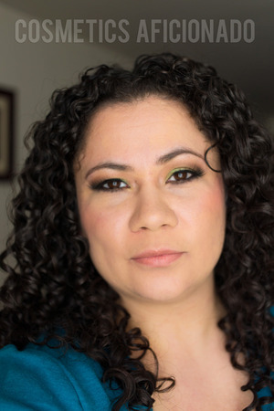 http://www.cosmeticsaficionado.com/green-smoky-eye-friday-linkup/
