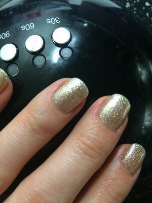 Red carpet manicure, gold glitter