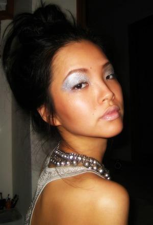 dAy 5::metallic eyeshadow