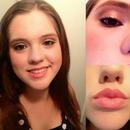 Natural gold eye and peach lip