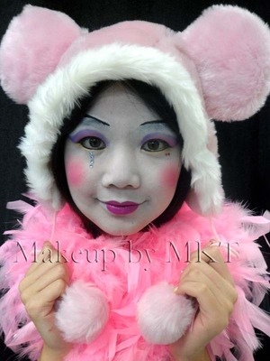 Clown makeup Cute/Feminine design