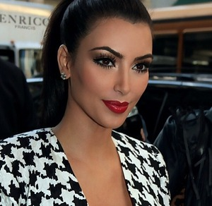 Kim Kardashian looking better than ever after her makeup and wardrobe makeover post dating Kanye. Looking classy and gorgeous with the simple eyes and dramatic lips. Makeup by Joyce Bonelli.