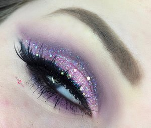 Guess whooooo's BACK! http://theyeballqueen.blogspot.com/2016/12/glittering-iridescent-purple-cut-crease.html